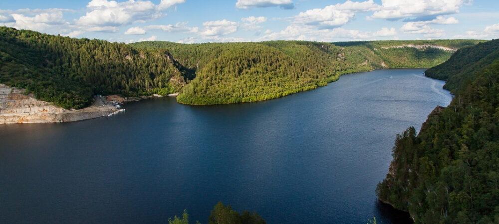 Фидер на водохранилище: как искать точку лова